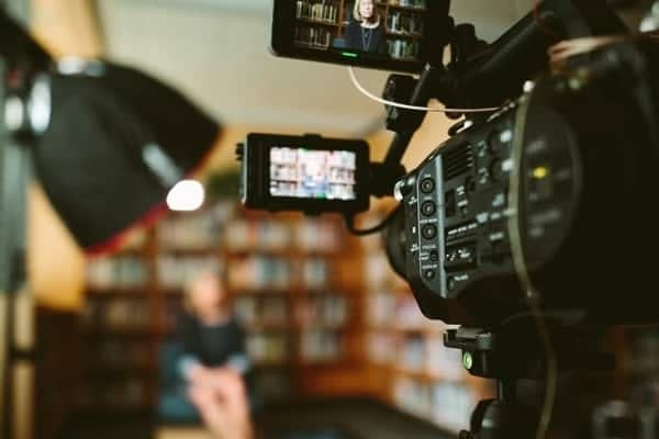 Capture content from the media roundtable