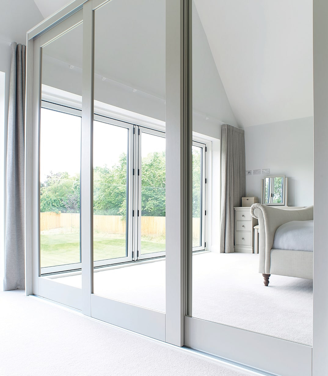 Luxury commercial wardrobes by Draks